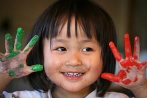 fingermaling og aktiviteter til en regnvejrsdag med børn